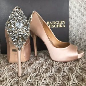 NEW Badgley Mishka Kiara peep toe pumps- satin